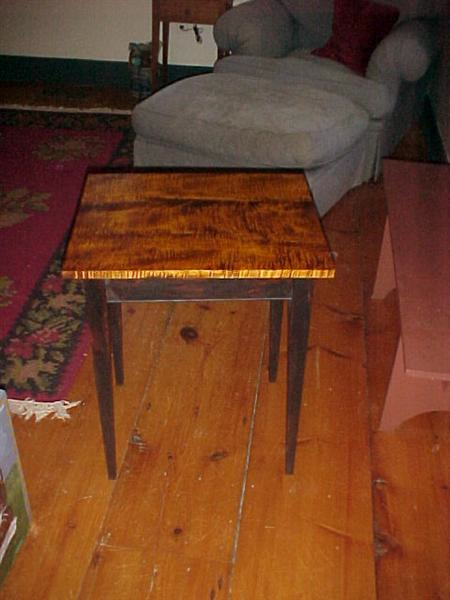 tiger-maple-table-medium